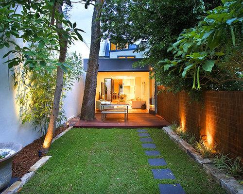 contemporary back garden in sydney