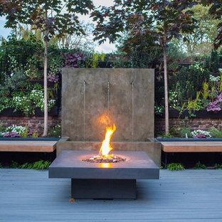 Schon Mittelgroßer Moderner Garten Hinter Dem Haus Mit Feuerstelle Und Dielen In  Hampshire