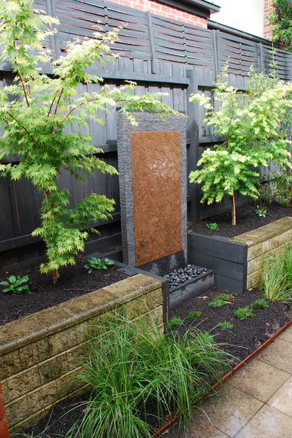 Contemporary Landscape by Andrew Whyte Landscape Design