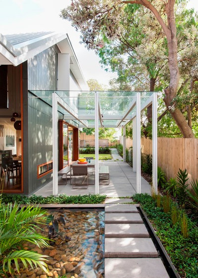 Contemporary Garden by TKD Architects