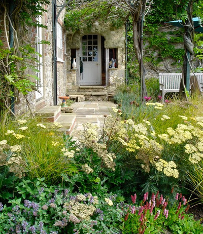 Farmhouse Landscape by Ann-Marie Powell Gardens Ltd