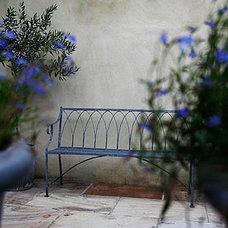 Traditional Landscape by Laara Copley-Smith Garden & Landscape Design