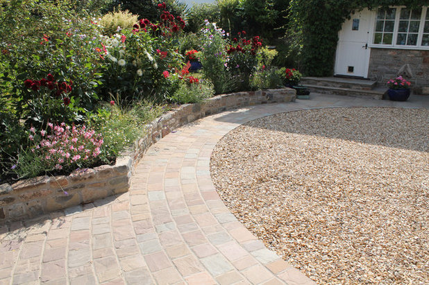 Country Garden by Outerspace Creative Landscaping