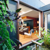 Houzz Tour: Japanese-Style Courtyards Bring the Outdoors Inside