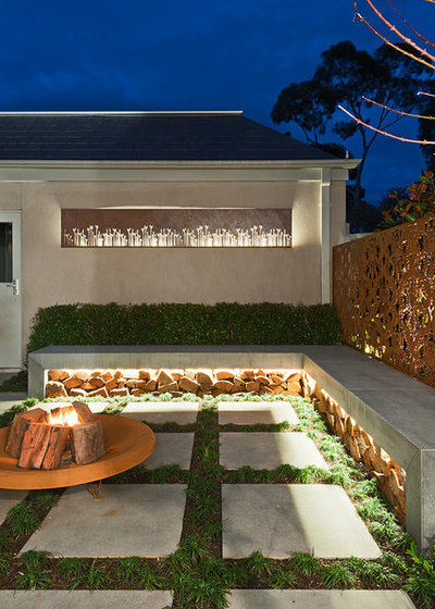 Contemporary Garden by C.O.S Design