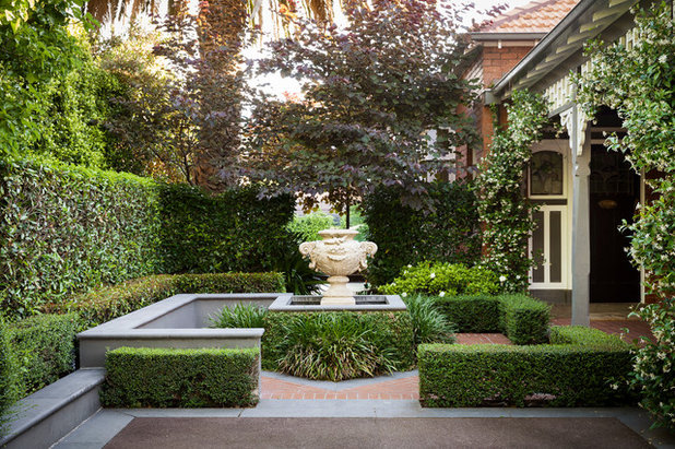 Traditional Garden by LSA Architects