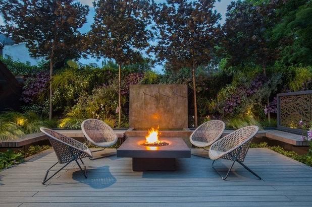 Contemporary Landscape by Simon Orchard Garden Design