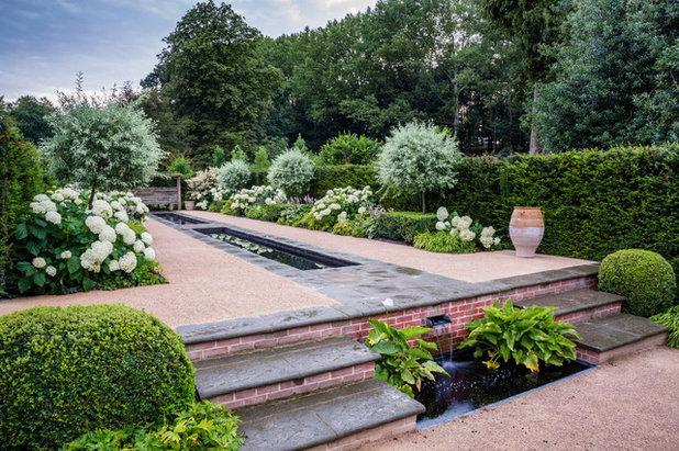 Traditional Landscape by Jeremy Allen Garden Design