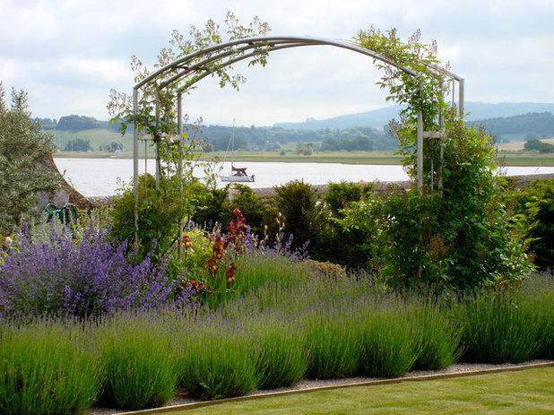 Traditional Landscape by Roger Webster Garden Design