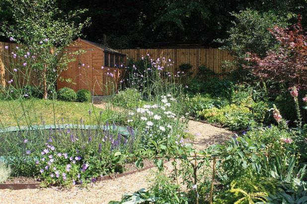 Traditional Garden by Germinate Design