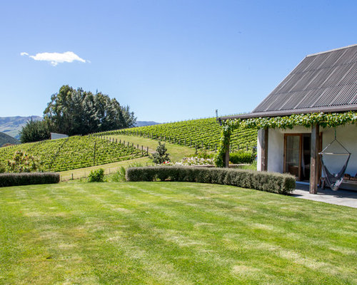 Outdoor Pavers Christchurch : Design ideas for an expansive farmhouse landscape in christchurch