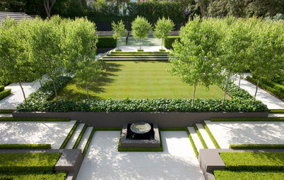 How to Create Drama and Spectacle in the Garden