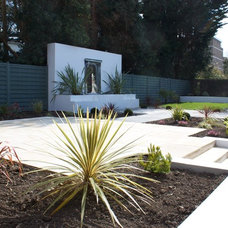 Modern Landscape by Oasys Property Solutions