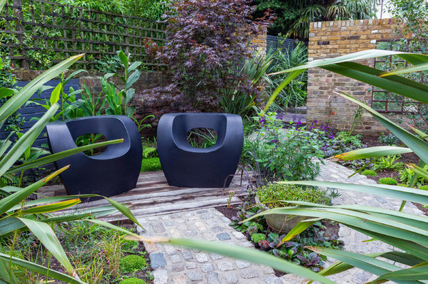 Contemporary Garden by Barbara Samitier Gardens