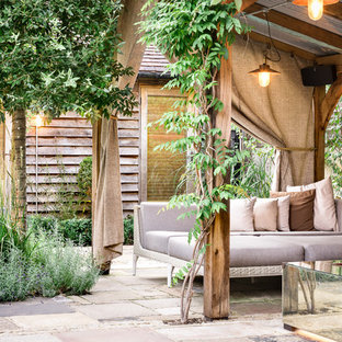 75 Beautiful Rustic Courtyard Landscaping Pictures