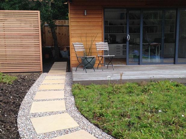 Modern Landscape by Amanda Broughton Garden Design