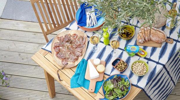 コンテンポラリー 庭 Garden Party, outdoor dining & table-top ideas