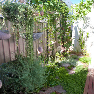 Inspiration for a bohemian garden in Perth.
