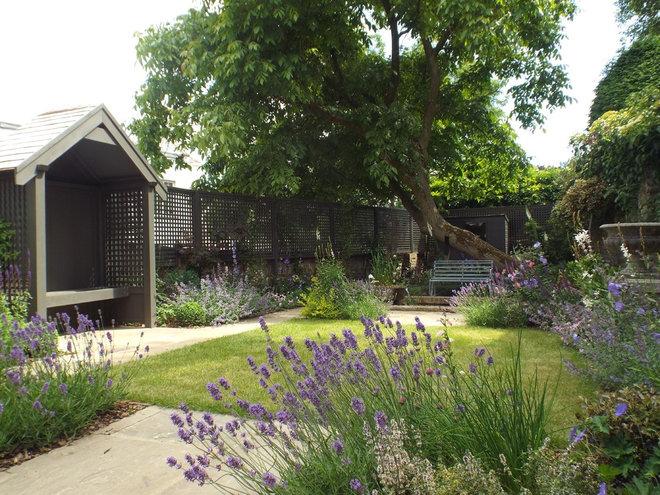Traditional Landscape by Jenny Bloom Garden Design