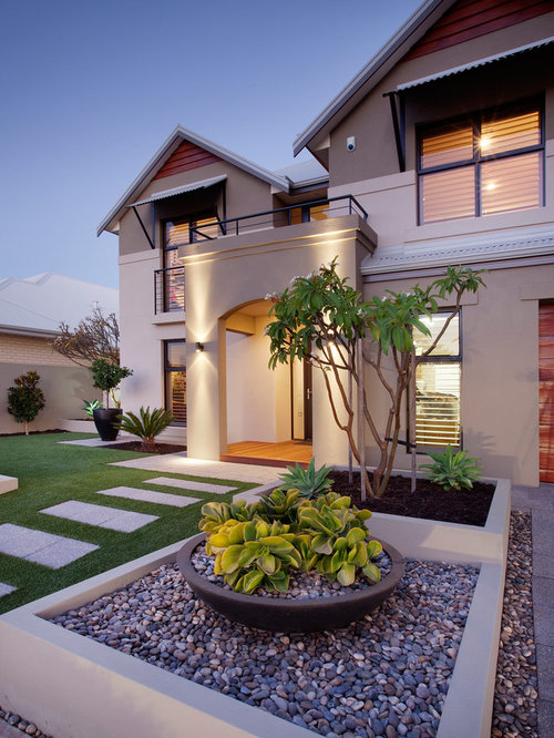 Front yard design ideas remodels photos for Front yard designs