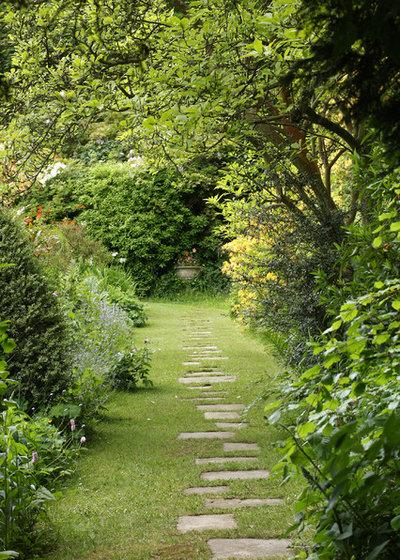 Классический Сад by Rebecca Smith Garden Design