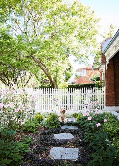 Garden by sticks and stones Landscape Design