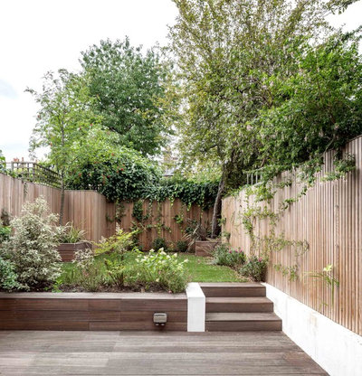 Contemporary Garden by Studio 30 Architects