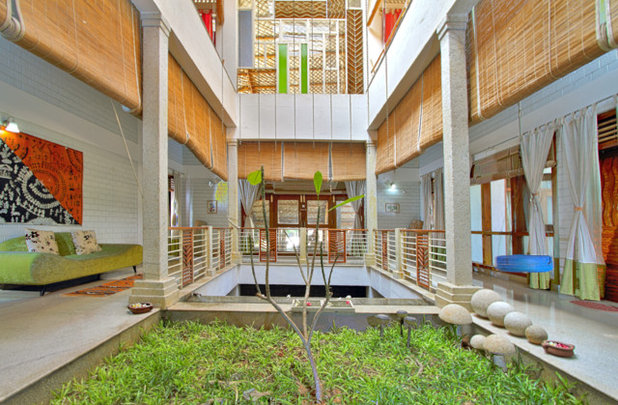 Tropical Garden by Manasaram Architects