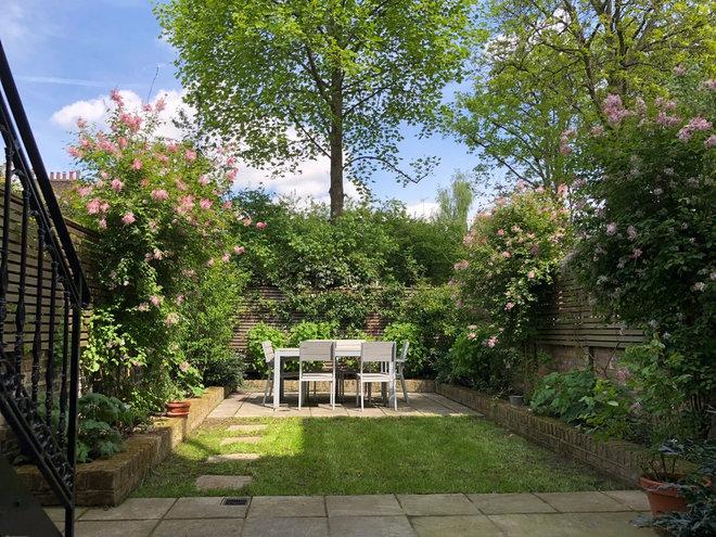 Classique Chic Jardin by The Bloomsbury Gardener