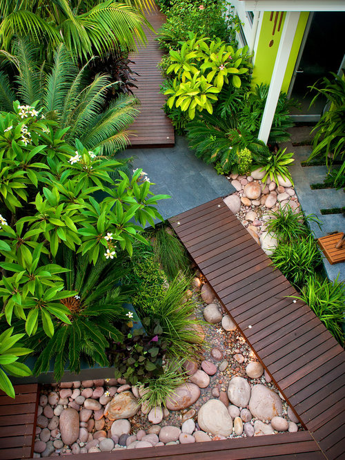 Inspiration for a small contemporary front yard landscape in Perth with a  fountain and decking. Best Small Front Yard Landscape Design Ideas   Remodel Pictures
