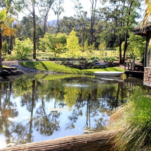 Expansive country garden in Melbourne.