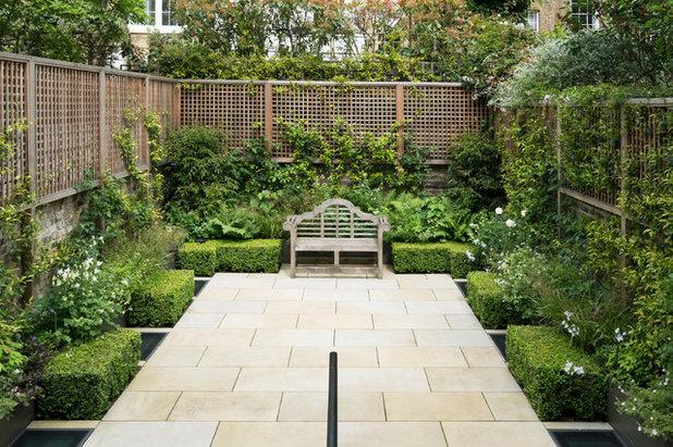 Traditional Garden by Broseley London