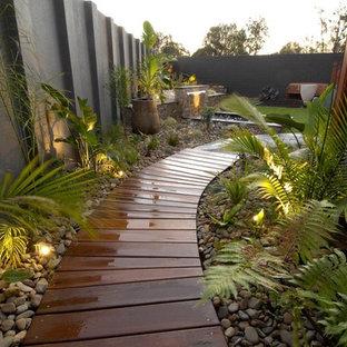 Idéer för funkis trädgårdar, med en fontän