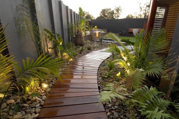 Contemporary Landscape by imagine design & construction pty ltd