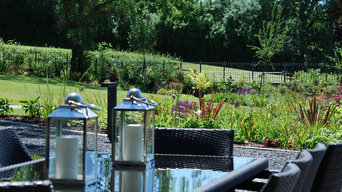 Large family garden - outdoor dining