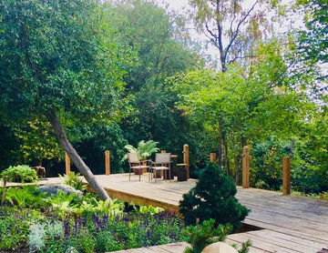 Large garden on a sloping site for a substantial new build property