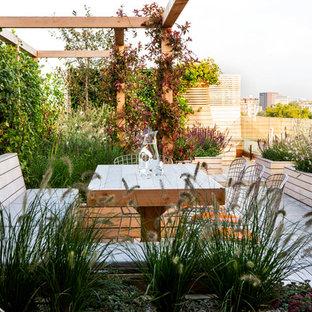 Ispirazione per un grande giardino moderno esposto in pieno sole sul tetto