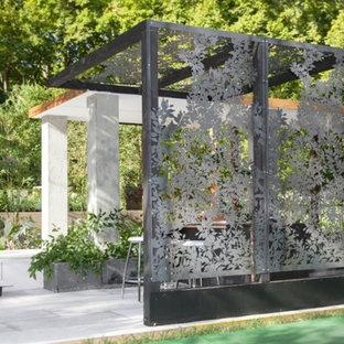 Immagine di un grande giardino formale boho chic dietro casa