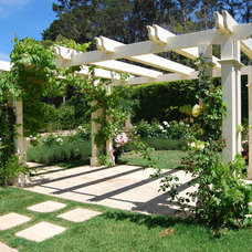 Traditional Landscape by Robert Boden Design Pty Ltd