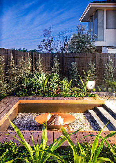 Contemporary Garden by Bayon Gardens