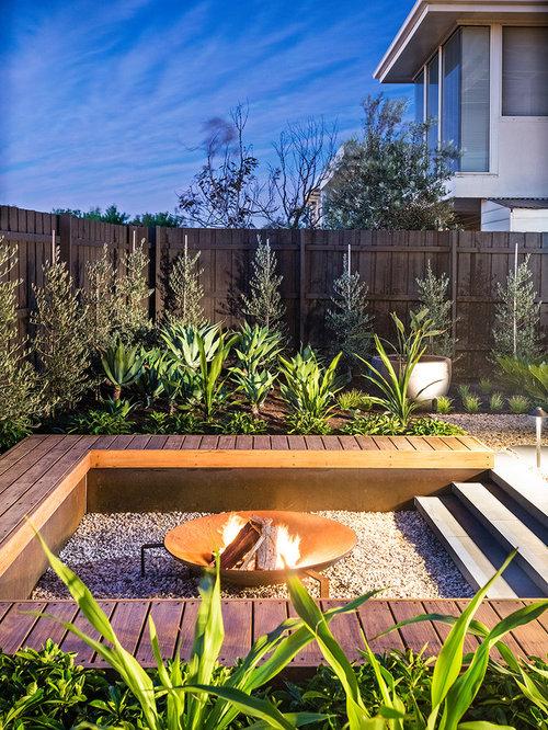 Jardin contemporain avec un foyer extérieur : photos et idées déco ...