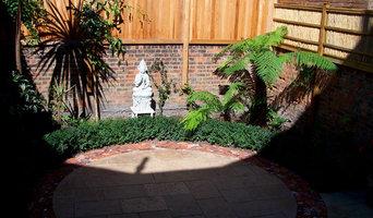 London Courtyard