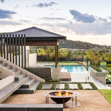 Contemporary Landscape by Apex landscapes
