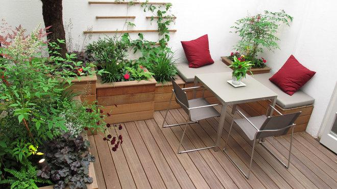 Contemporary Landscape by Fenton Roberts Garden Design
