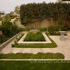 Contemporary Landscape by eScape Landscape Architecture
