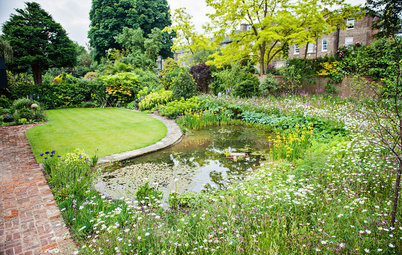 For Garden Design Inspiration, Look Beyond the Fence Line