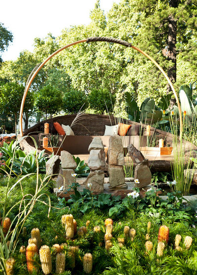 Contemporary Garden by Phillip Withers Landscape Design