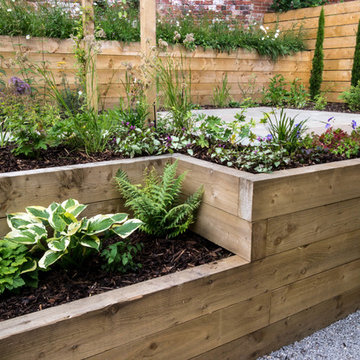 Modern Garden with a rustic twist