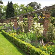 Traditional Landscape by Barnes Walker Ltd - Landscape Architects
