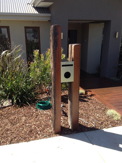 Modern Garden by Flexicon Building Solutions Pty Ltd